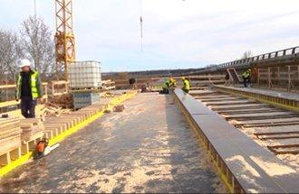 Works on bridge over Sava River at Ostružnica